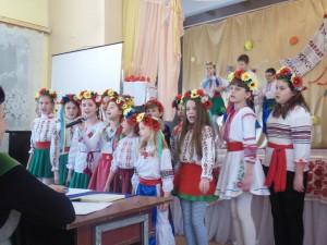 «Тільки в нас на Україні люди всі співучі»
